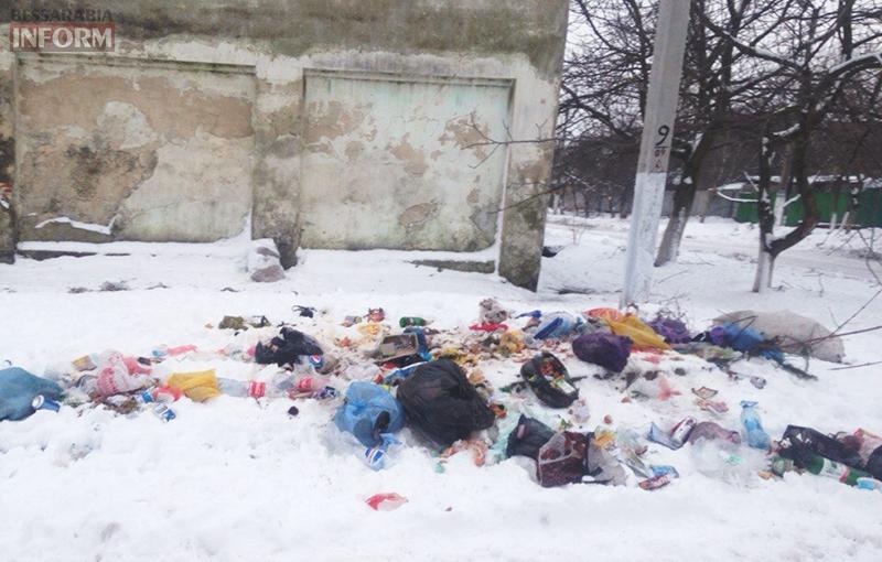 mysor-kiliya-3 В Килие кучи мусора лежат прямо в городе (фото)