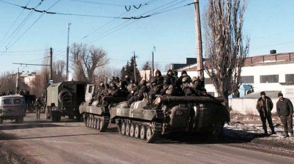 Порошенко объявил о выводе из Дебальцево войска