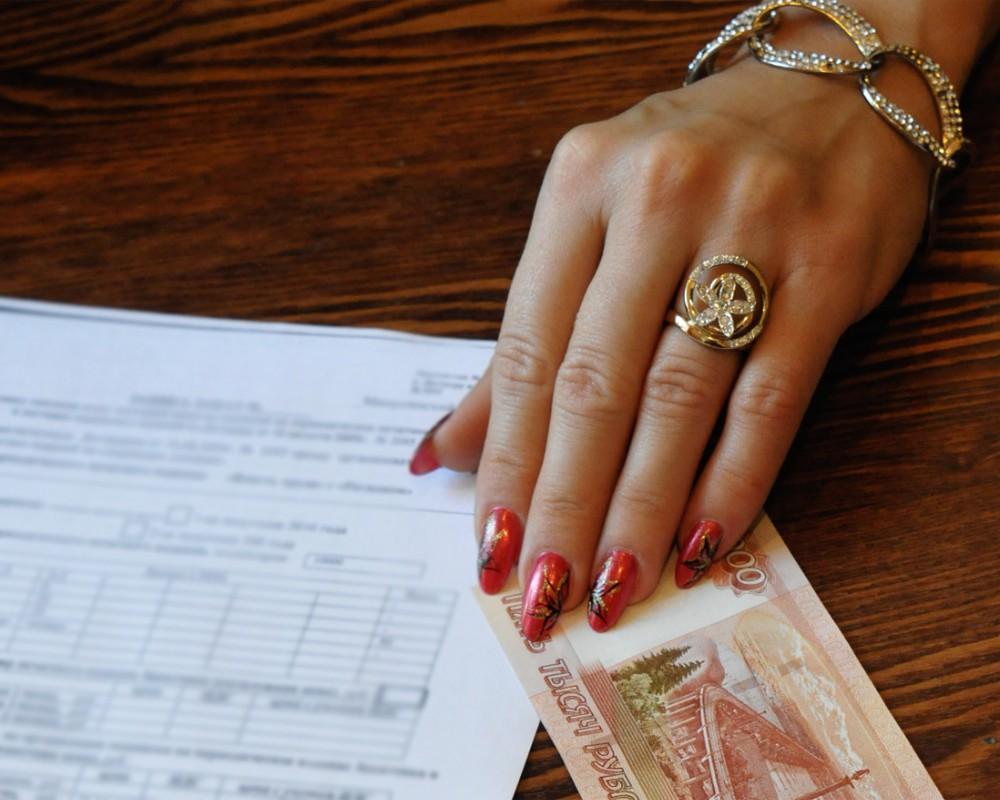 В Белгороде-Днестровском чиновница требовала 400 долларов