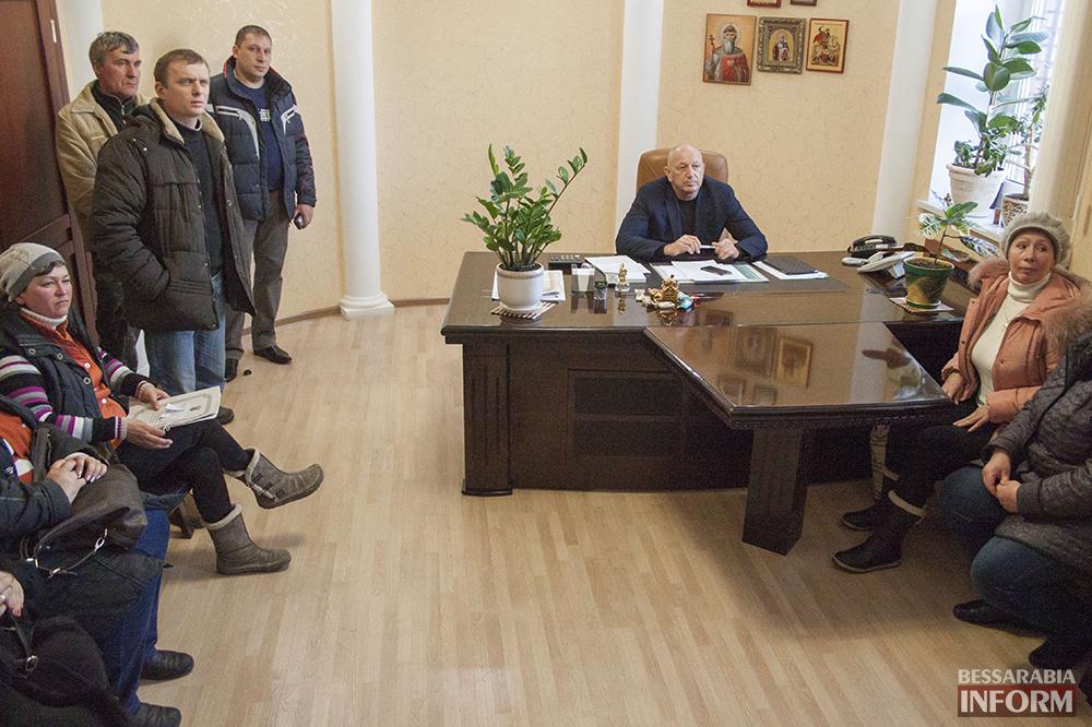 izmailski-runok-bastyet-3 Предприниматели Измаильского рынка протестуют против повышения аренды