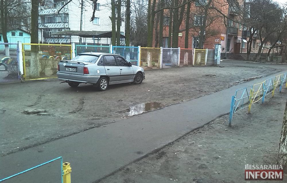 "izmailsky-dyrak-parkovshik ""Opel"" в рубрике ""Я паркуюсь как дурак"" (фото)"