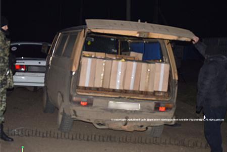 kontrabanda_sigaret-2 Белгород-Днестровские пограничники изъяли 184 ящика сигарет