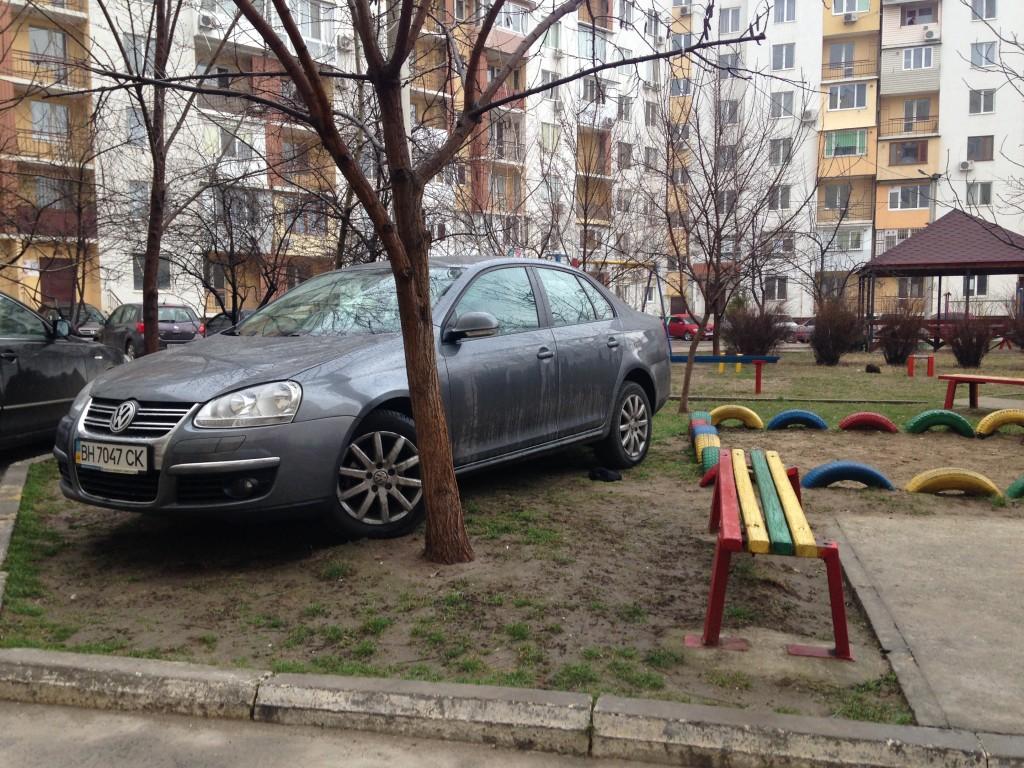 «Фольксваген» в рубрике «Я паркуюсь как дурак» (фото)