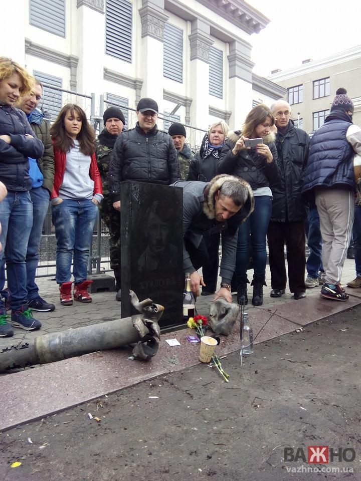 Памятник Путину установлен в Одессе (фото)