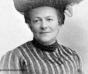 Немного истории: Женщина, придумавшая праздник 8 марта