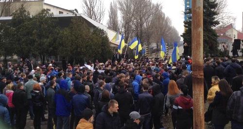 В Белгород-Днестровске митингуют против олигарха