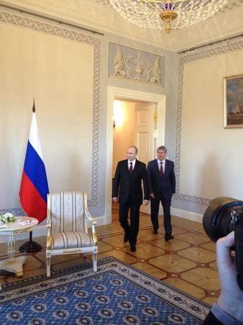 Нашелся: Путин появился на публике