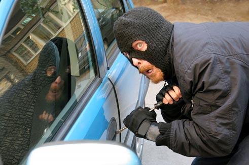 В Саратском районе подросток угнал автомобиль