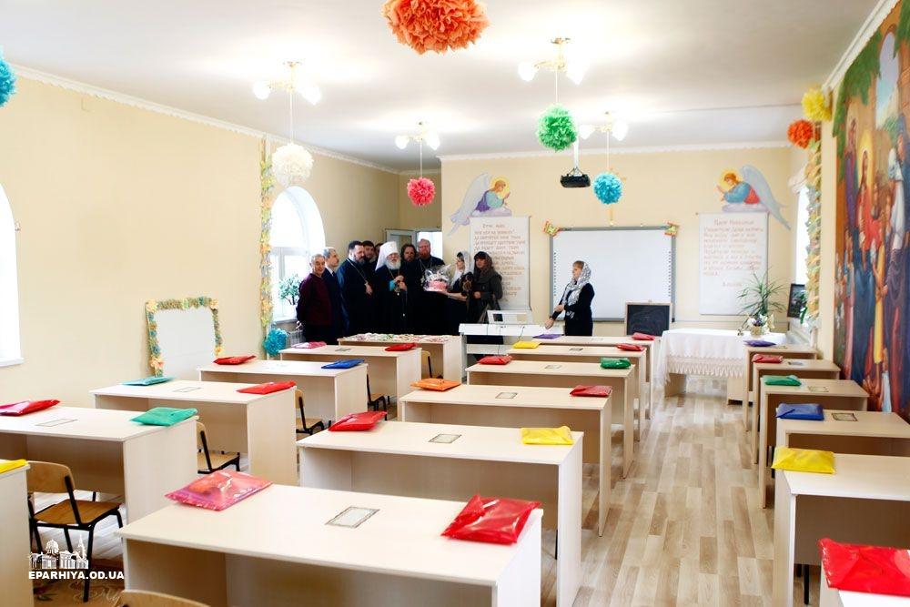 73O9713 Б.-Днестровский: митрополит Агафангел освятил новый храм(фото)