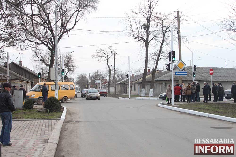 AEpcsAKz6dU На Белгород-Днестровской установлен светофор (фото)