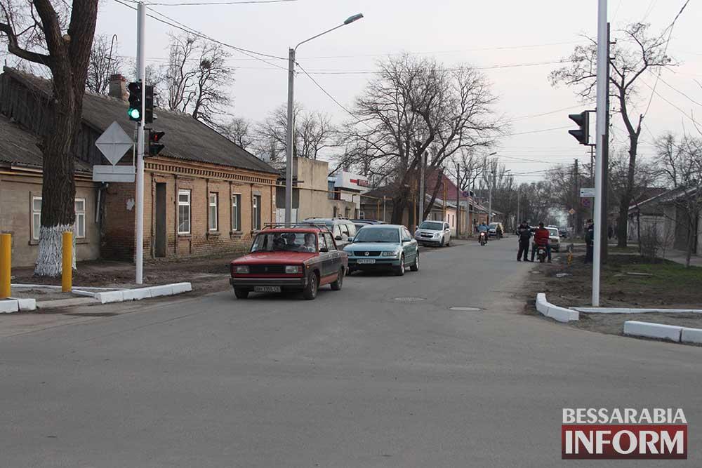 IMG_0323 На Белгород-Днестровской установлен светофор (фото)