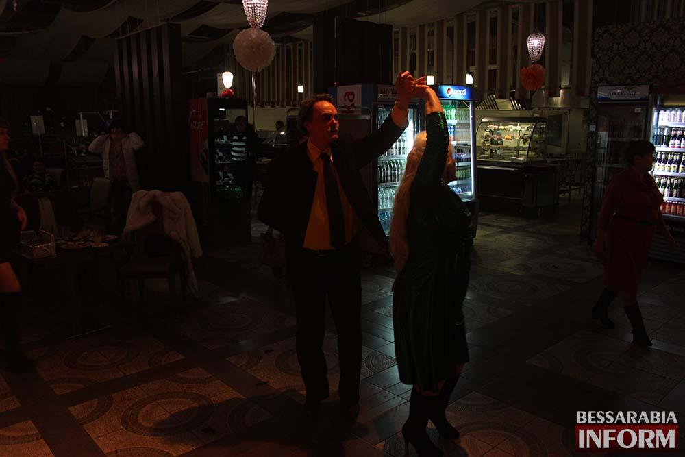 Кафе Таврия-В весело отметило 8 марта(фото, видео)