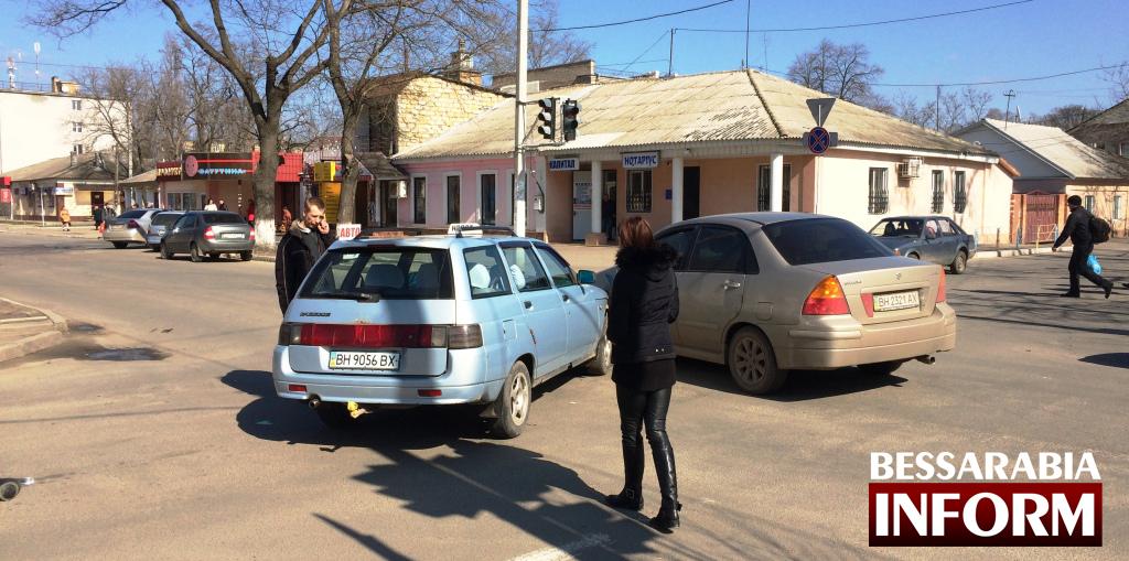 """IMG_9939 Измаил: ДТП как """"подарок"""" даме к 8-му марта. (фото, видео)"""