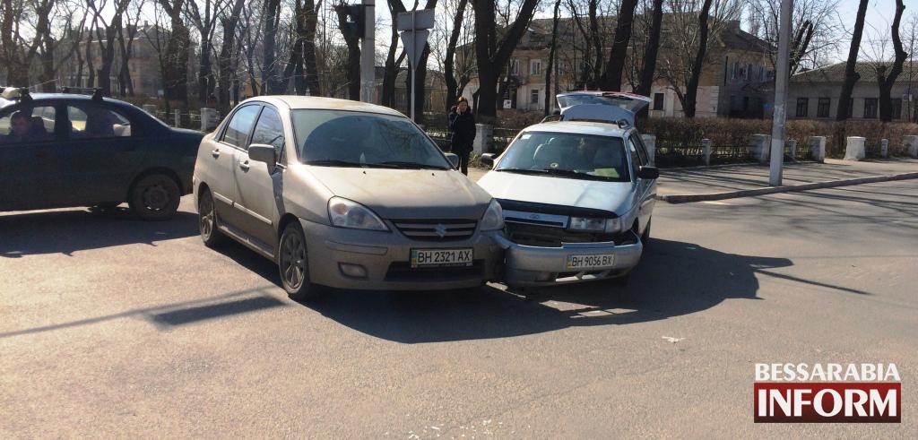"Измаил: ДТП как ""подарок"" даме к 8-му марта. (фото, видео)"