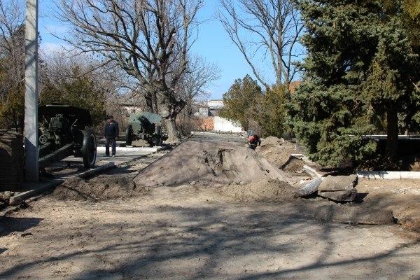 JaHeOK1lceQ В Белгород-Днестровском отреставрируют парк Воинской славы