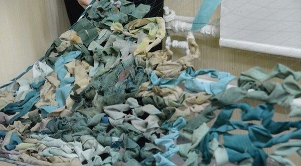 На юге Одесской области волонтеры плетут маскировку для защитников Украины (фото) - фото 1
