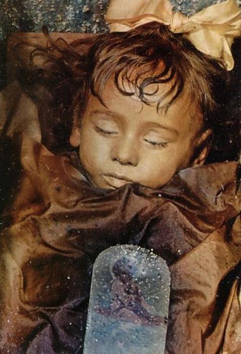 Мумия рыжеволосой девочки в Палермо хранится уже 98 лет