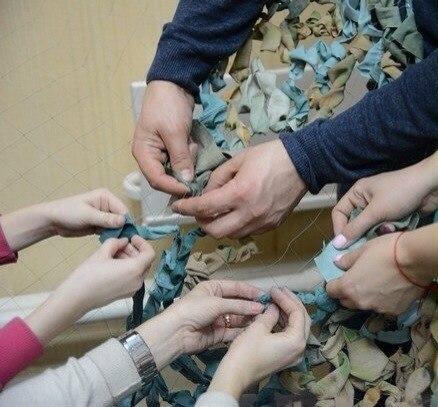 Килийские волонтеры плетут сетки для военных (фото)