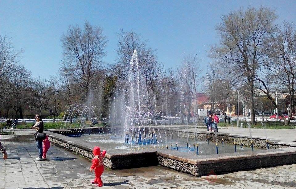 1428836816_8195 В Измаиле  заработал фонтан
