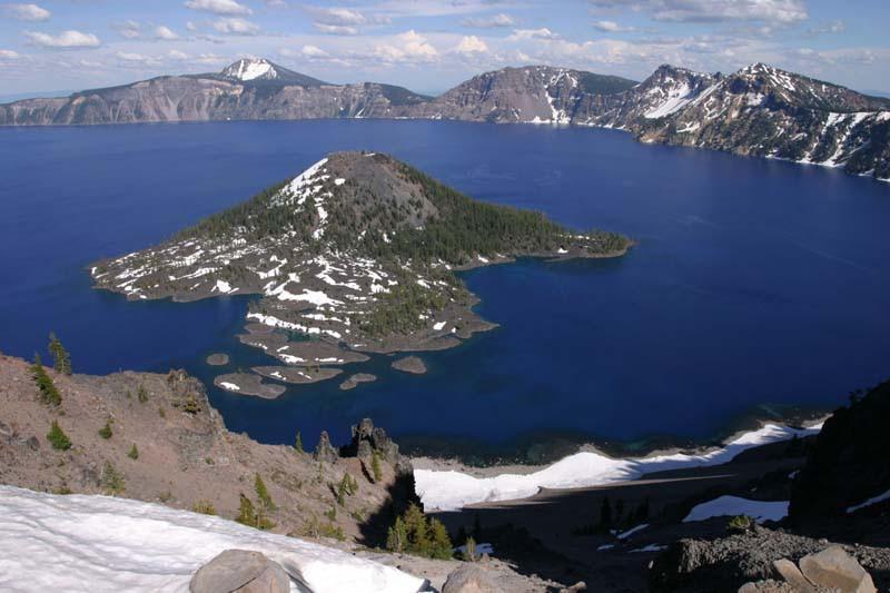 15 удивительных кратерных озер
