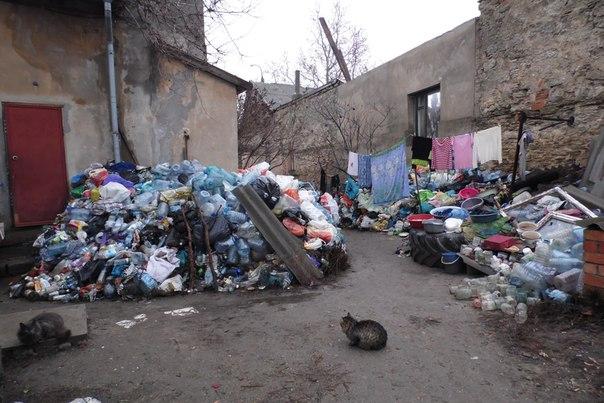 В центре Белгород-Днестровского устроили свалку