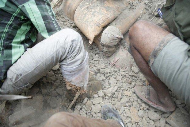 553b518ebd575 В Непале произошло землетрясение, больше 1000 погибших (фото)