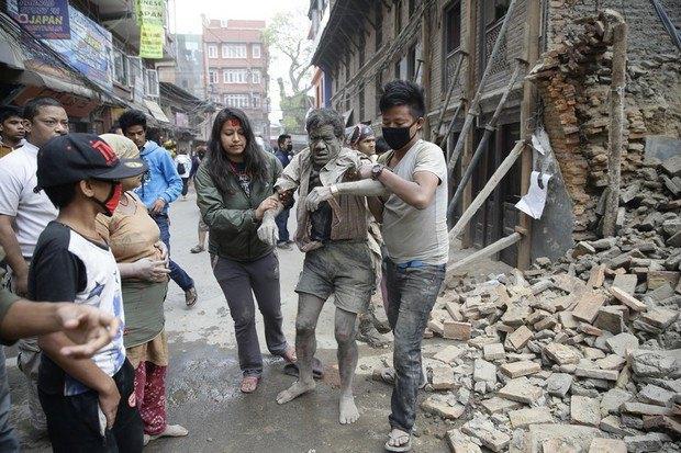 553b519627b36 В Непале произошло землетрясение, больше 1000 погибших (фото)