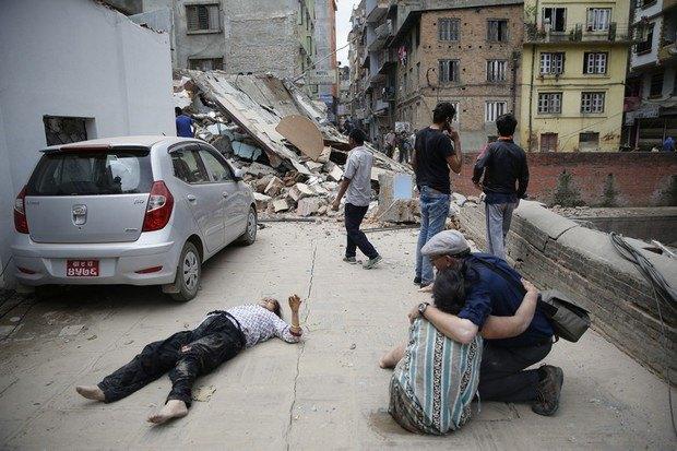 553b51ac67a6d В Непале произошло землетрясение, больше 1000 погибших (фото)