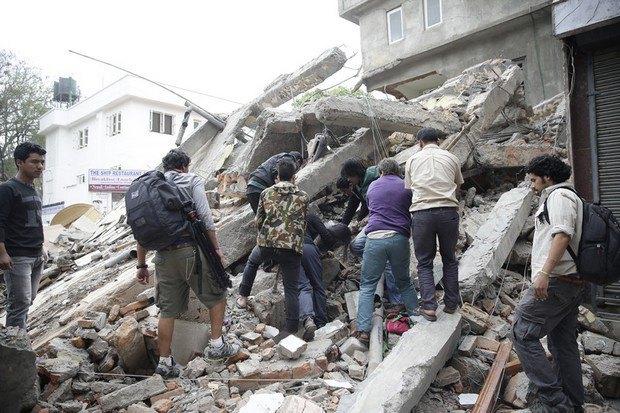 553b5268c6116 В Непале произошло землетрясение, больше 1000 погибших (фото)