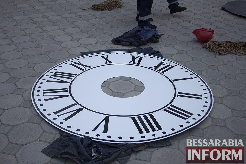 IMG_6612 На Свято-Покровском соборе меняют циферблат часов
