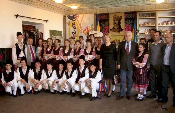 p9020024 Утконосовку посетила делегация из Румынии