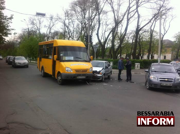 unnamed-1 ДТП: в Измаиле маршрутка и LADA не поделили дорогу