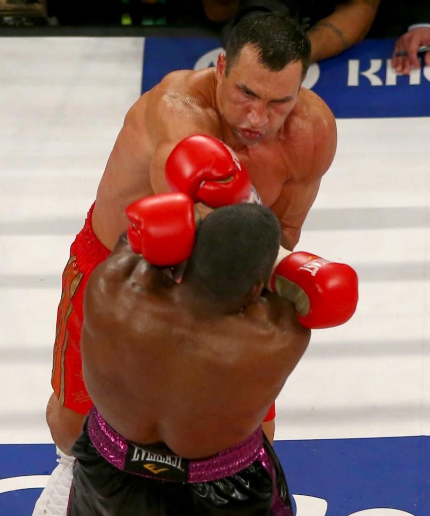 wladimir-klitschko-v-bryant-jennings-20150426-040108-351-854x1024 Кличко защитил три титула чемпиона мира (фото, видео)