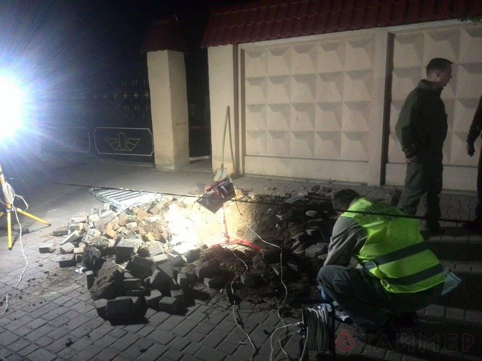1431562897_8145 Ни ночи без взрыва: в Одессе опять рвануло (фото)