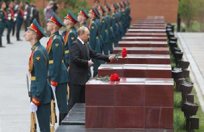 176420d8f68c73b1cf8efbf19f914d511426564655 Парад Победы в Москве: незванный гость хуже татарина