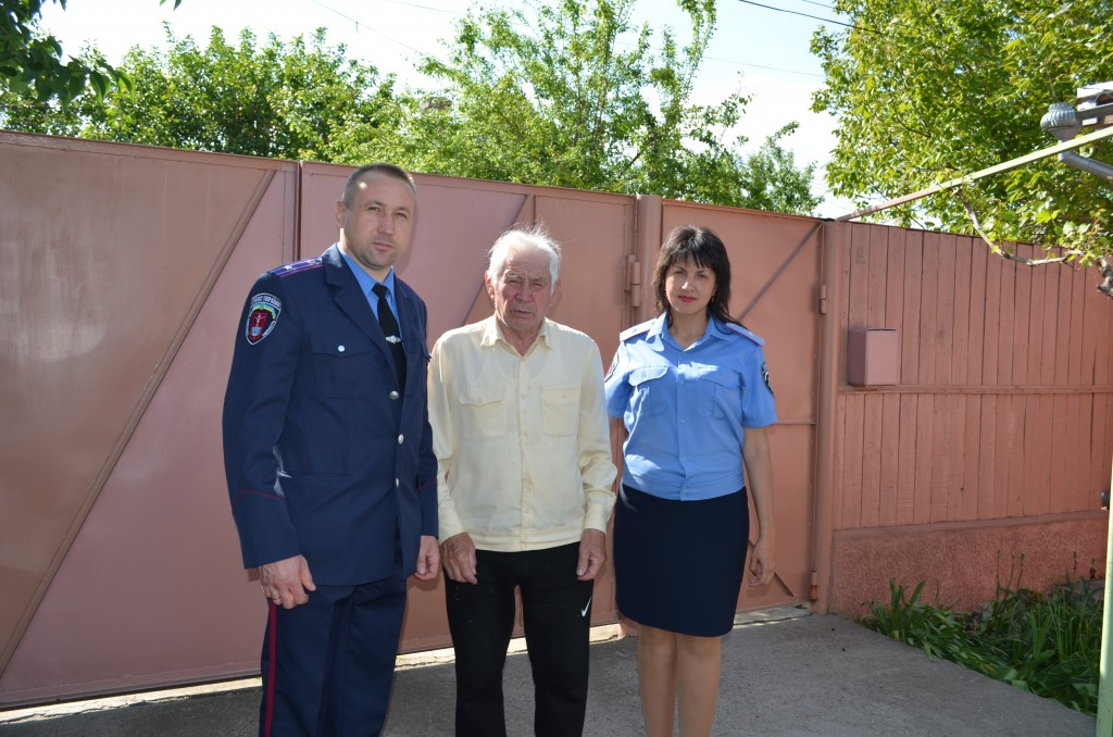 Измаильские милиционеры поздравили ветеранов с 70-й годовщиной Победы