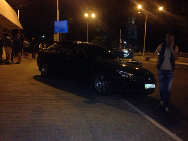 FgJx_6jzT1w В Измаиле водитель BMW сбил девушку на тротуаре