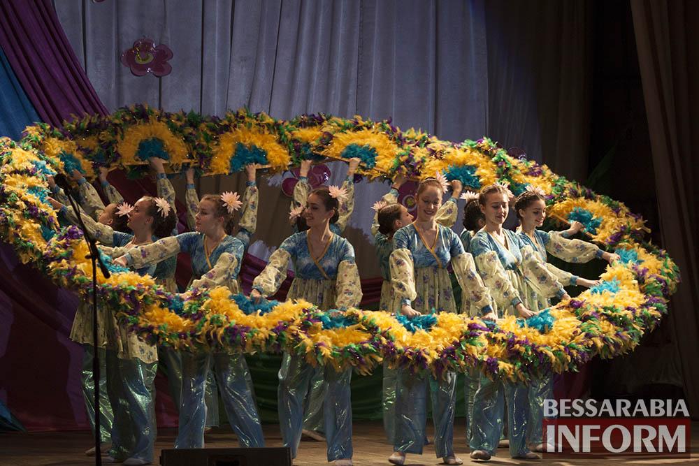 """Ансамбль """"Придунавье"""" подарил измаильчанам грандиозное шоу(фото)"""