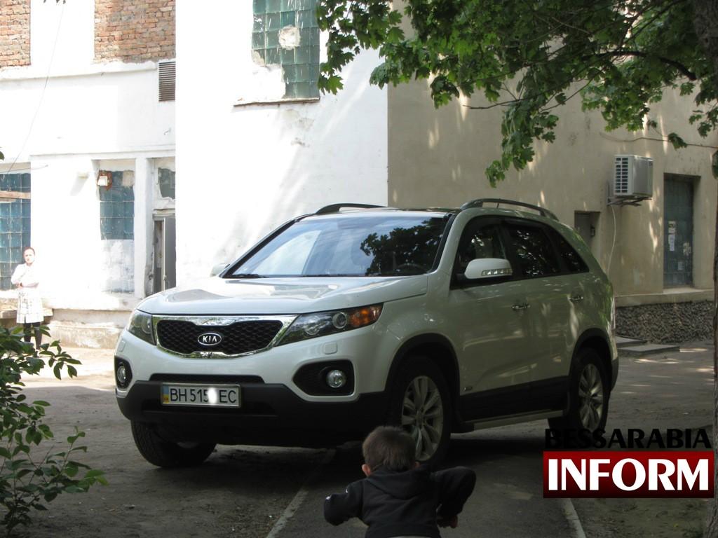 IMG_1443-1024x768 Очередной герой рубрики «Я паркуюсь как дурак»