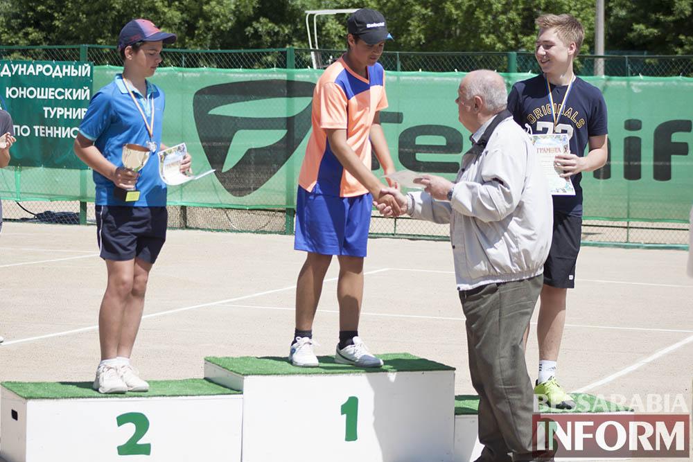 IMG_9598 В Измаиле  завершился юношеский теннисный турнир «Червона Рута»