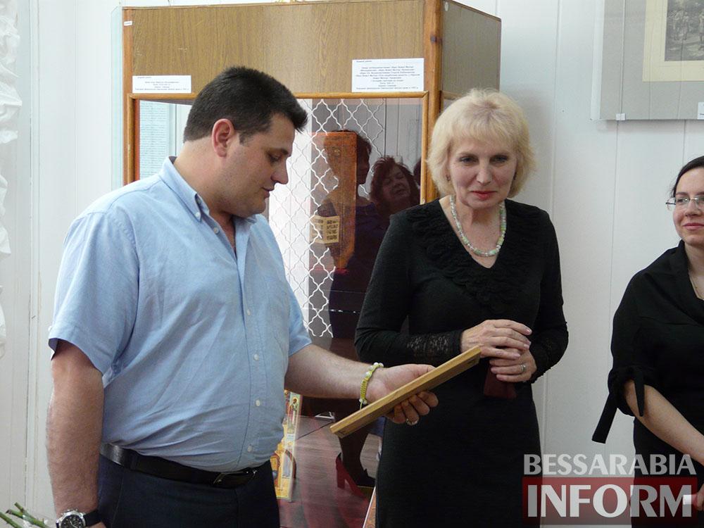 P1050018 Измаил: ко Дню музеев открылась выставка отреставрированных экспонатов