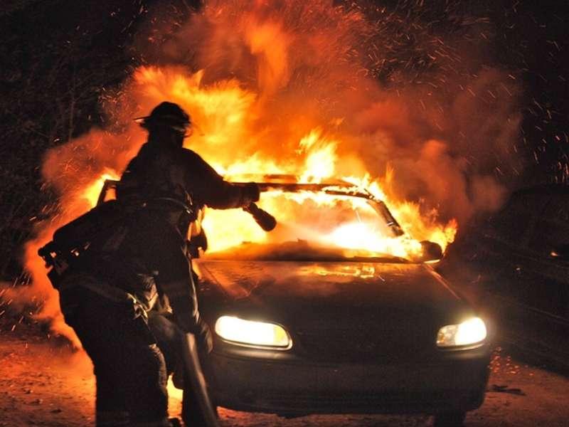Вчера на дорогах Бессарабии сгорело два автомобиля