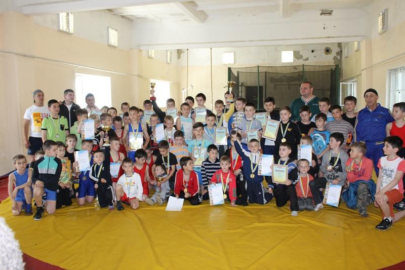 В Арцизе прошел региональный турнир по вольной борьбе