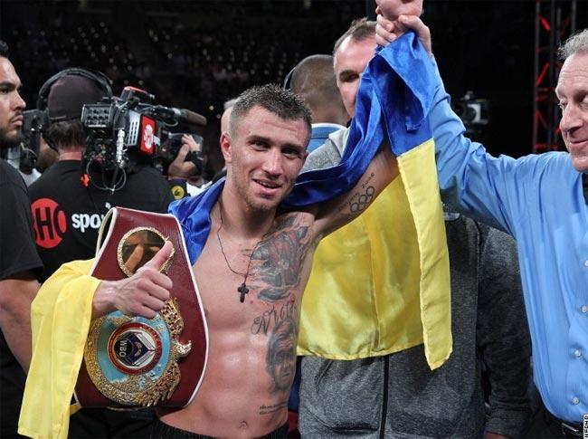 lomachenko-vs-rassell-foto_17 Ломаченко защитил пояс чемпиона мира  нокаутировав Родригеса