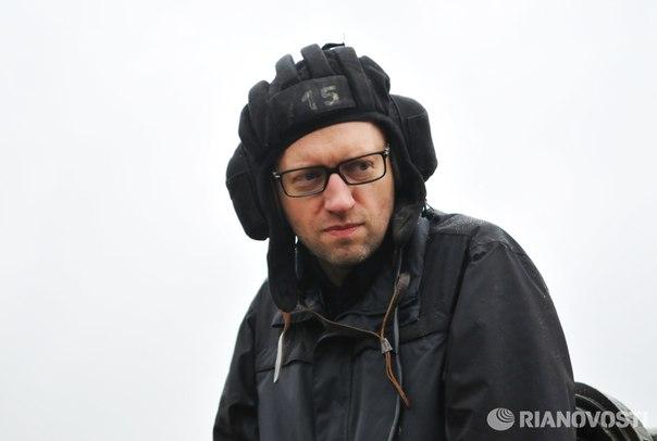 Народ не доволен работой Порошенко и Яценюка