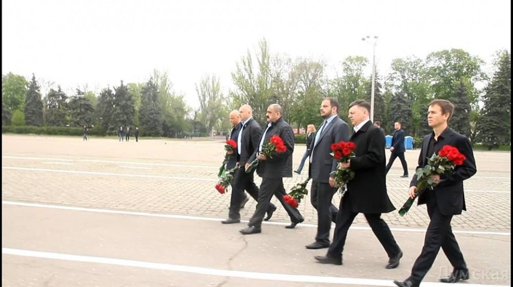 picturepicture_47367120117153_21027 Власти области почтили жертв одесской трагедии