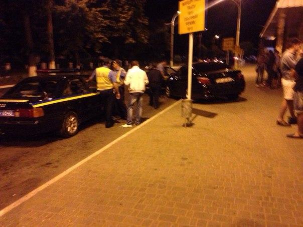sCPPVKGiCXo В Измаиле водитель BMW сбил девушку на тротуаре
