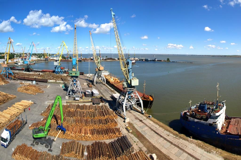 Белгород-Днестровский порт провел учения по ликвидации разлива нефти