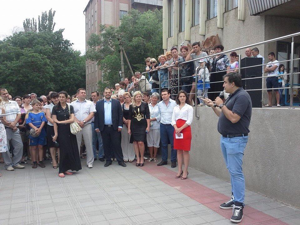 11148394_832794340149231_5292452156916415904_n Саакашвили шокировал жителей Татарбунар
