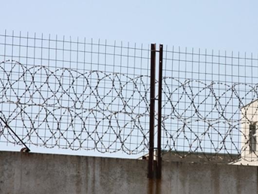 В Одессе заключенные взяли в заложники тюремщика